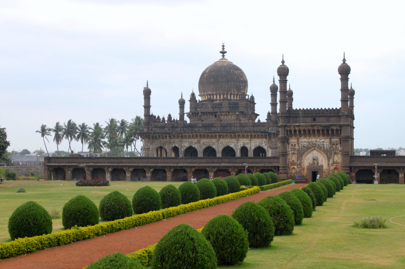 Visiting Ibrahim Rauza | Bijapur