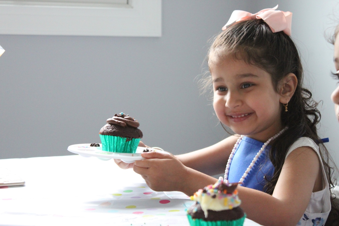 Cupcake-Decorating-Birthday-Party